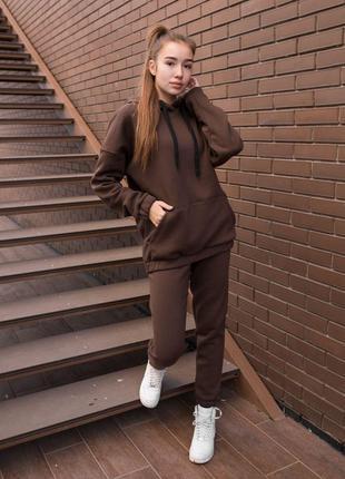 Женский коричневый утепленный оверсайз костюм