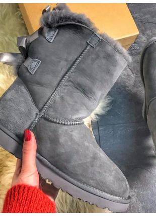 Женские зимние UGG Bailey Bow II 2 Grey, серые замшевые сапоги...
