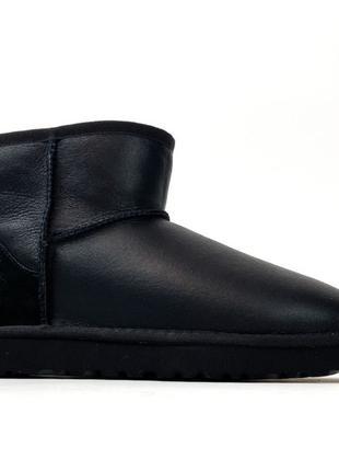 Женские зимние UGG Classic II Mini Black Leather черные кожаны...