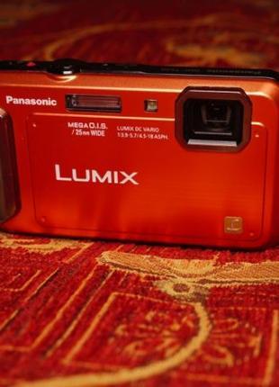 Влагозащищенный цифровой фотоаппарат Panasonic Lumix DMC-TS20