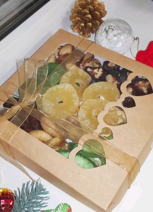 Полезный подарок на Новый Год, орехи, цукаты, сухофрукты
