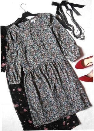 Романтичное платье в цветочный принт