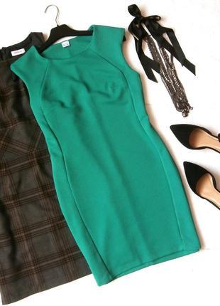 Красивое платье-футляр из фактурной ткани, платье по фигуре