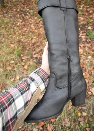 Женские сапоги на утеплителе на зиму черные кожаные размер 40