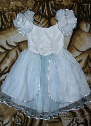 Нарядное платье девочке 5-6 лет