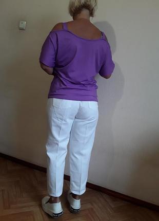 Трикотажная футболка  майка  с открытыми плечами