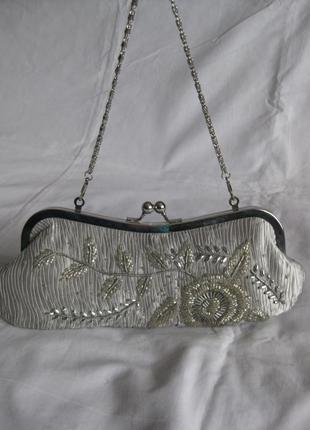 Клатч с бисером,цвет серебро,атлас