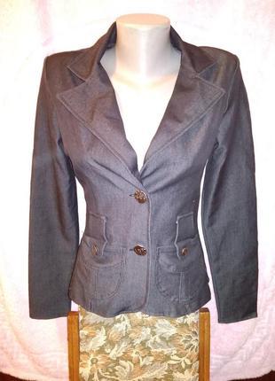 Классический чёрный пиджак, приталенный покрой