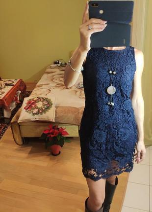 Вечернее синее кружевное платье без рукавов дорогое кружево но...
