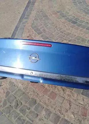 Крышка багажника седан Opel Vectra C