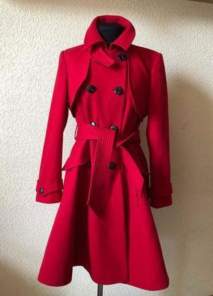 Ярко-красное пальто warehouse
