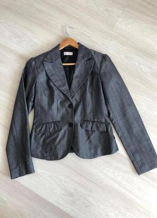 Серый пиджак orsay, в идеальном состоянии