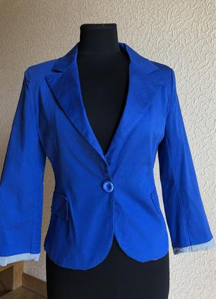 Пиджак лёгкий летний яркий синий