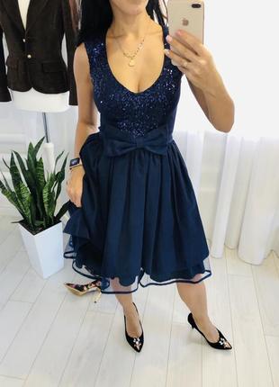 Вечернее блестящее  миди платье с паетками