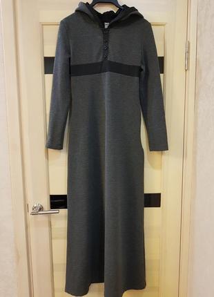 Супер стильное длинное теплое платье макси с капюшоном