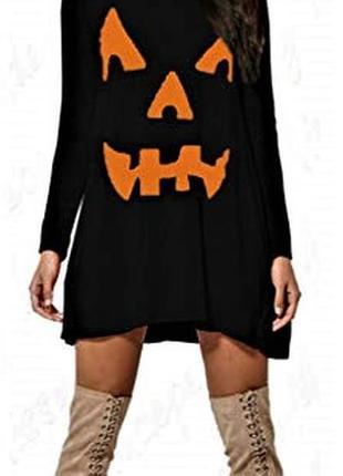 Чёрное платье с ярким  оригинальным принтом m-l