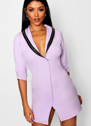 Шикарное лиловое платье с кожаной оборкой