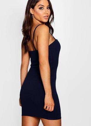 Скидка до 3️⃣1️⃣.0️⃣1️⃣! темно-синее короткое платье от boohoo...