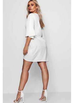 Белое короткое платье с рукавами-кимоно от boohoo 16uk