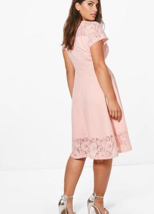 Нежное платье с кружевом от boohoo размер 18uk