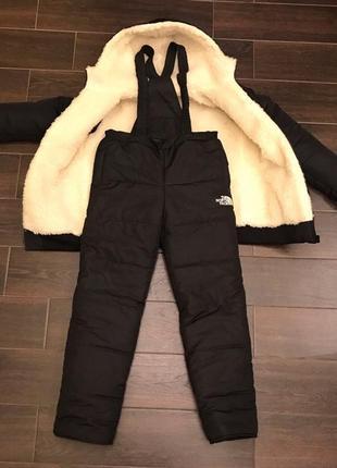 Зимний детский костюм полукомбинезон и куртка на овчине черный...