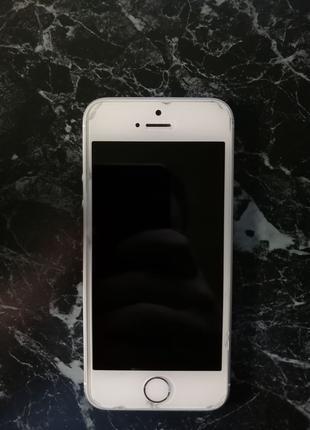 Iphone SE 32/GB Neverlock / Silver + 4 Чехла