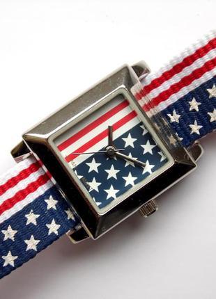 Advance часы из сша стилизованные под флаг мех. japan miyota