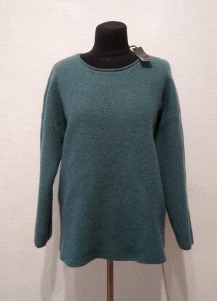 Стильный шерстяной свитер большого размера
