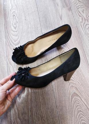Замшевые кожаные летние туфли  с открытым носком