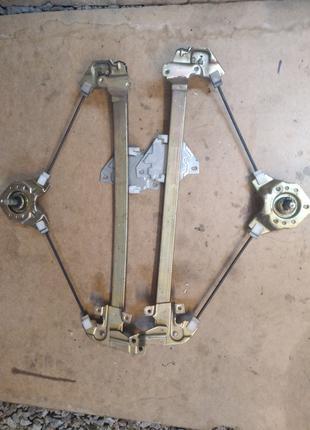 стеклоподъемник механический Galant E33. E34 передний