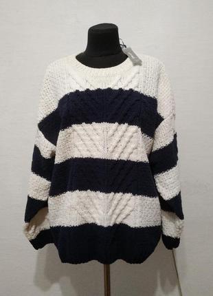 Стильный теплый мягенький свитер большого размера