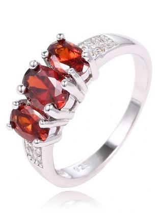 🏵шикарное кольцо в серебре 925 с гранатами-цирконами, 18 р., н...
