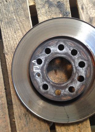 Тормозной диск передний левый Skoda Octavia A5 Шкода Октавия А5