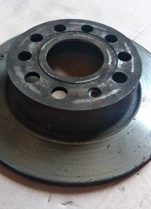 Тормозной диск задний Skoda Octavia A5 Шкода Октавия А5
