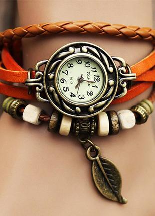 Женские наручные часы с браслетом в винтажном стиле