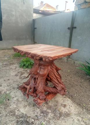 Стол из пня вишни