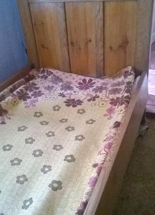 Ліжко ясеневе
