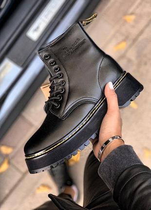 Ботинки женские зимние на платформе dr. martens