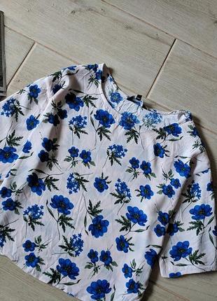 Стильная укороченная футболка блуза кроп топ в цветочный принт...
