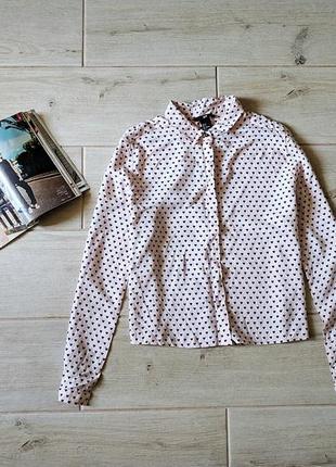 Красивая укороченная рубашка в принт сердечки свободного кроя s m