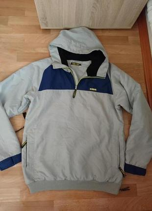 Мужская куртка капюшонка