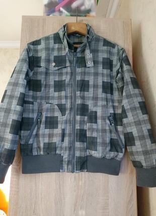 Мужская курточка демесезонная клечатая