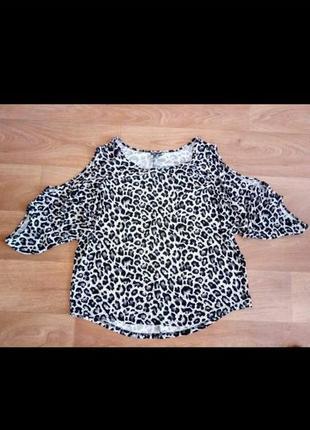 Красивая кофточка - блузка с открытым плечом ,большой размер!