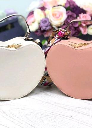 Женская стильная сумка в форме сердца с ремешком