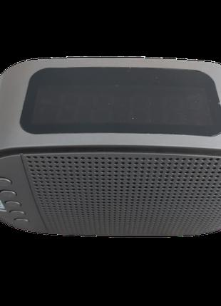 Портативная колонка с часами и радио GT1