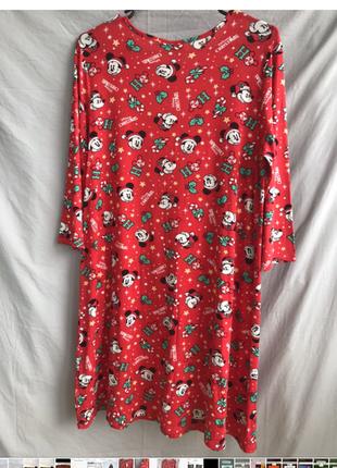 Красное платье с микки маусом