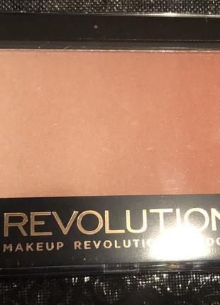 Румяна градиент makeup revolution gradient