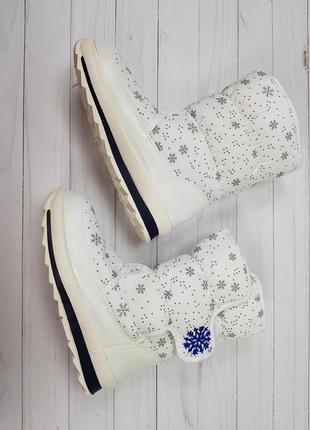 Сапоги дутики женские белые на липучках со снежинками
