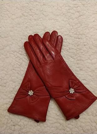 Красные утепленные кожаные перчатки