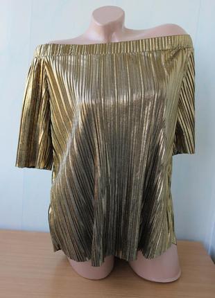 Нарядная блуза с открытыми плечами